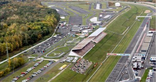 RC Auta Event - Doporucene lokality pro firemni akce - web 518x2728 - motodrom most