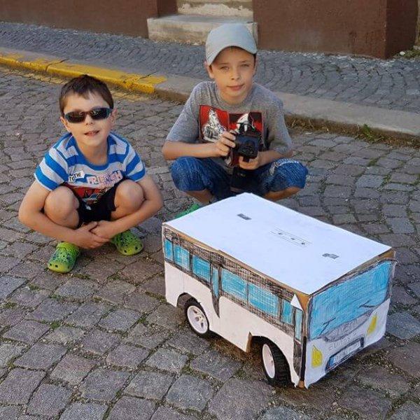 Krabice od ledničky na kolech? Nene. To je zbrusu nový model Iveco Bus. Vlastní výroby. Parádní záležitost!